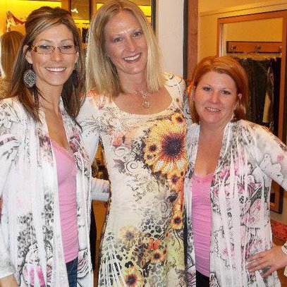 last year's fab fall giveaway winner posing with allie olson of allie ollie and friend