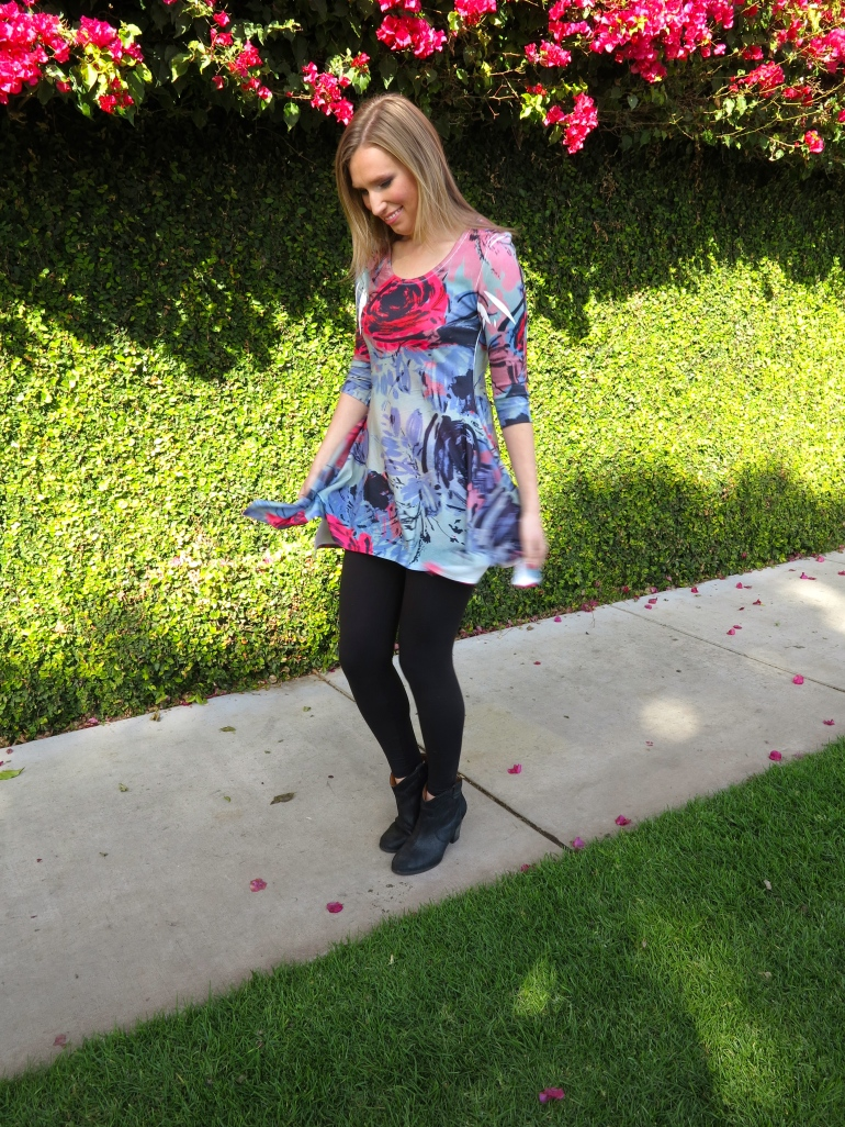 "Allie Ollie ""With Love"" Everything's Coming Up Roses Tunic"